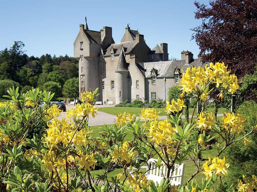 Ballindalloch castle ballindalloch castle ballindalloch for Sun castle